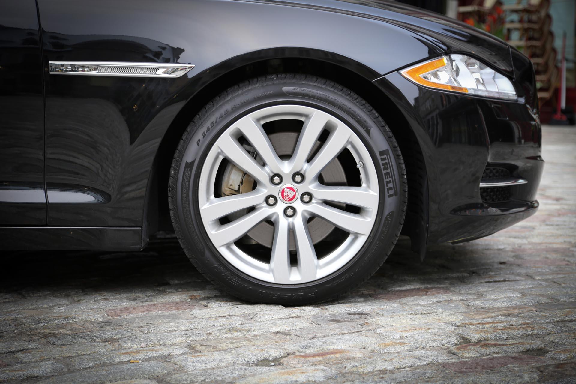 2010-2018 Jaguar XJ Used Vehicle Review on jaguar xj12, xf portfolio, jaguar xkr, jaguar cars, jaguar sovereign, jaguar xj8 portfolio, jaguar s type portfolio, jaguar xjr portfolio, jaguar xjs, jaguar 2009 models, jaguar e-type, super v8 portfolio, jaguar xj-sc,
