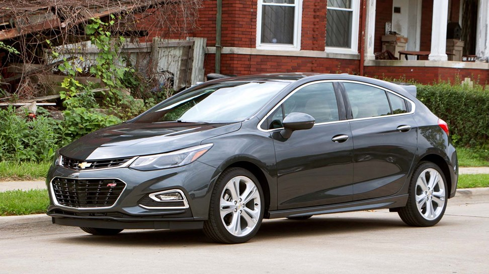 2017 chevrolet cruze hatch first drive review. Black Bedroom Furniture Sets. Home Design Ideas