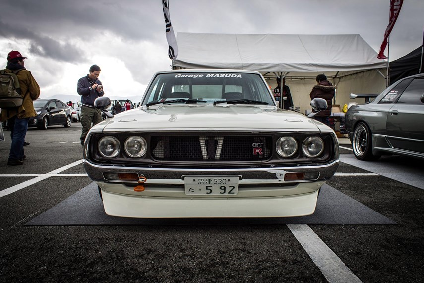 They called it the <i>Kenmeri</i>, a nickname taken from an ad campaign that featured the fictional Ken and Mary roaming around Japan having adventures in their regular Skyline sedan. Like many Japanese cars of the time, the <i>Kenmeri</i> somewhat resembled a shrunk down American fastback.